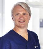 Speciallæge i plastikkirurgi Poul Harboe